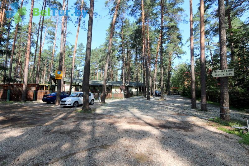 Отдых в Белоруссии Беларуси - база отдыха Бивак - Автостоянка