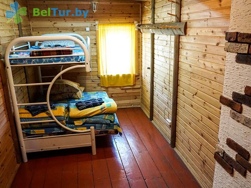 Отдых в Белоруссии Беларуси - база отдыха Красногорка - восьмиместный (домик у причала)