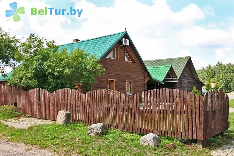 Отдых в Белоруссии Беларуси - база отдыха Красногорка - домик у причала