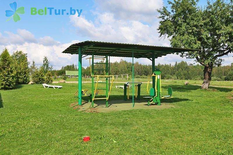 Отдых в Белоруссии Беларуси - база отдыха Красногорка - Уличные тренажеры