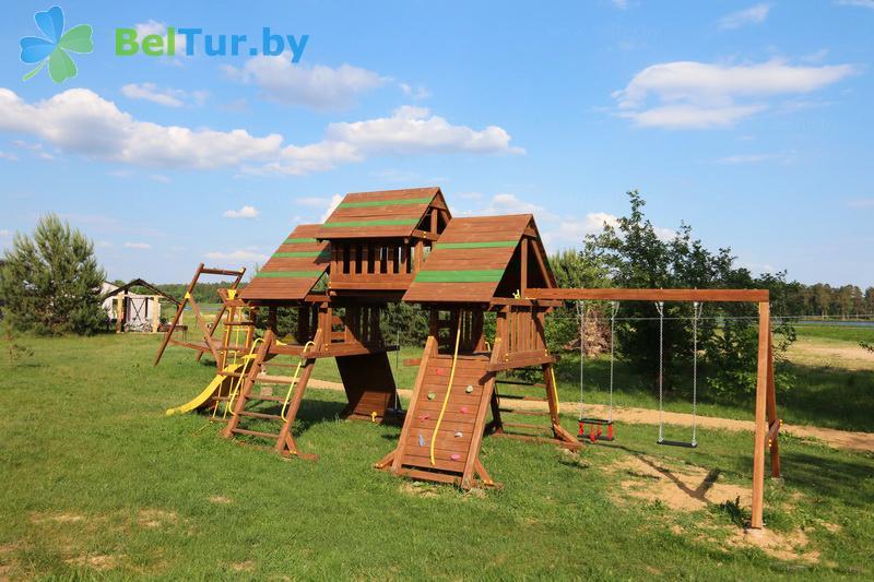 Отдых в Белоруссии Беларуси - экоотель Кветки Яблыни - Детская площадка