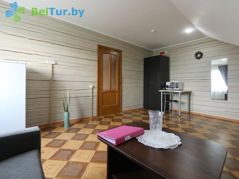 Отдых в Белоруссии Беларуси - экоотель Кветки Яблыни - двухместный двухкомнатный люкс (дом «Рябина»)