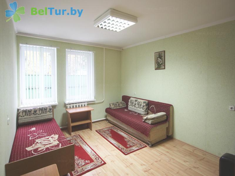 Отдых в Белоруссии Беларуси - база отдыха Коммунальник - трехместный однокомнатный (жилой корпус)