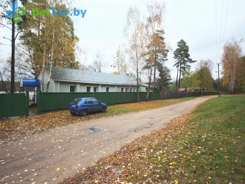 Отдых в Белоруссии Беларуси - база отдыха Коммунальник - Автостоянка