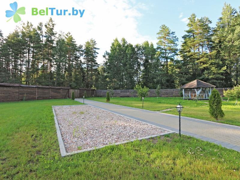 Отдых в Белоруссии Беларуси - охотничье-туристический комплекс Лавники - Парковка