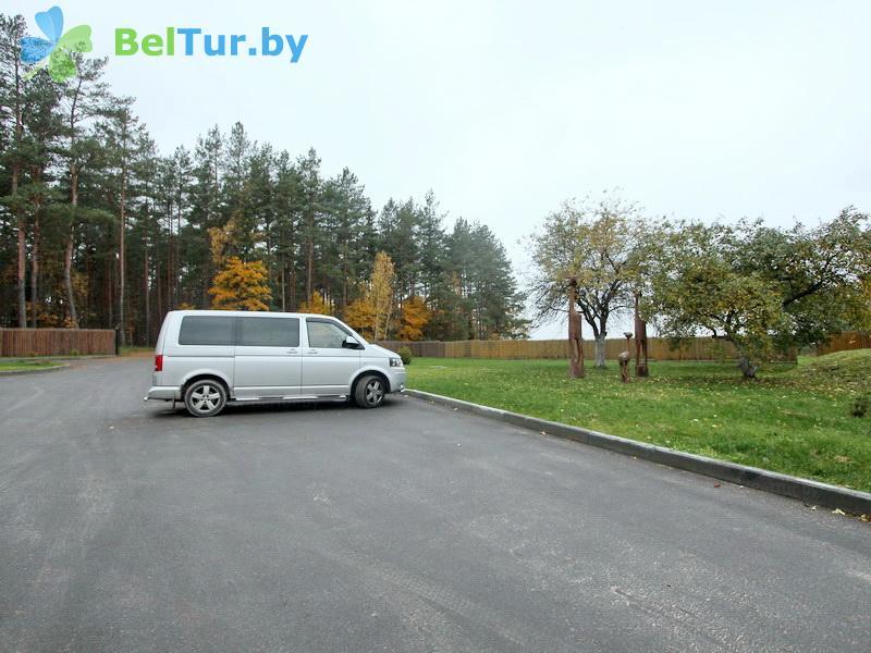Отдых в Белоруссии Беларуси - дом охотника На Вилии - Парковка