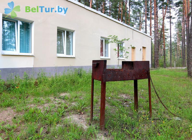 Отдых в Белоруссии Беларуси - оздоровительный комплекс Белино - Площадка для шашлыков