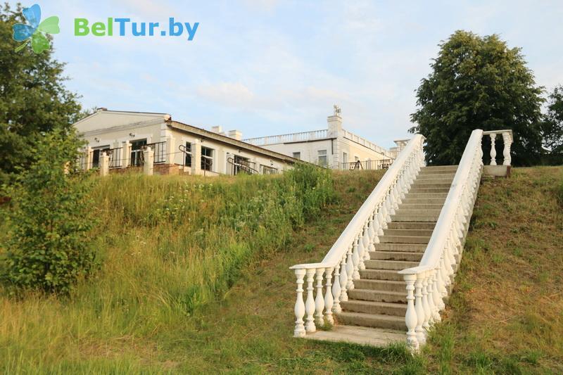 Отдых в Белоруссии Беларуси - гостиничный комплекс Вишневый сад - Территория и природа