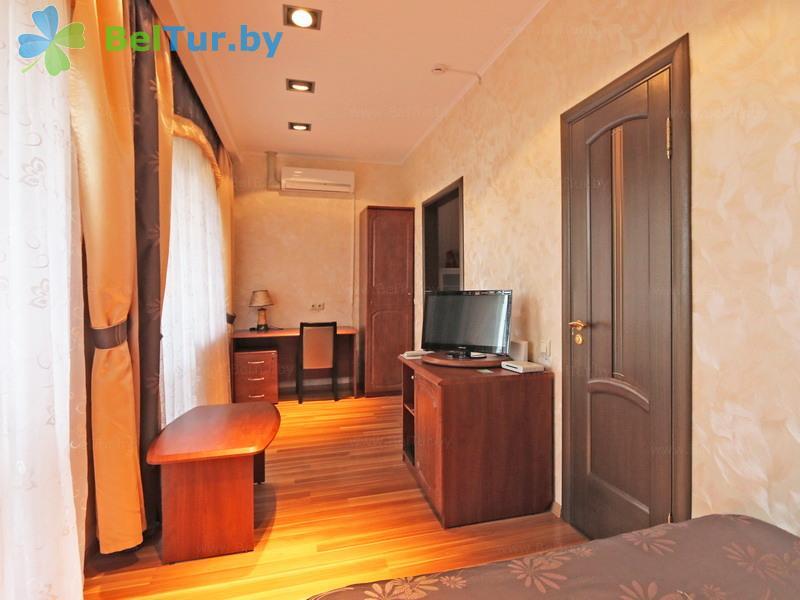 Отдых в Белоруссии Беларуси - гостиничный комплекс Изумруд - одноместный однокомнатный (гостиница)