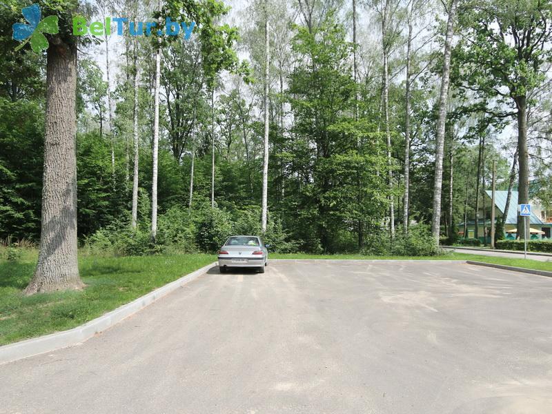 Отдых в Белоруссии Беларуси - гостиничный комплекс Жарковщина - Парковка