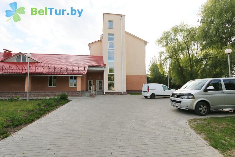 Отдых в Белоруссии Беларуси - гостиница Туров плюс - Парковка