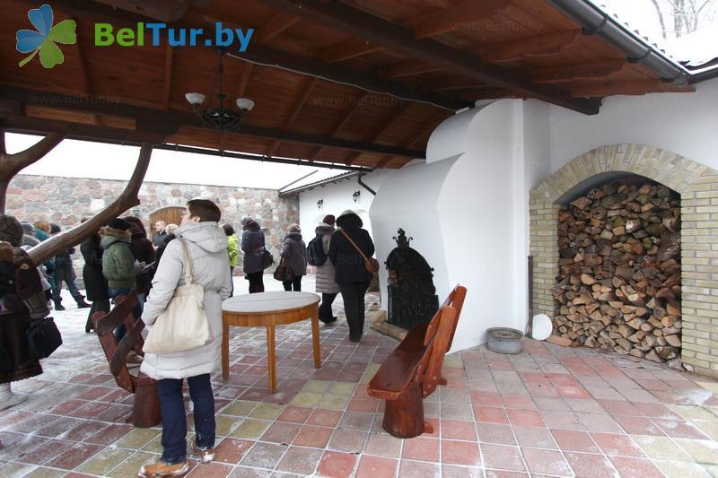 Отдых в Белоруссии Беларуси - усадьба Королинский фольварок Тызенгауза - Площадка для шашлыков
