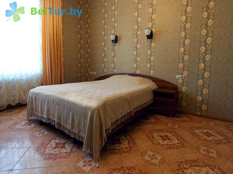 Отдых в Белоруссии Беларуси - усадьба Королинский фольварок Тызенгауза - одноместный (дом «Родовое гнездо»)