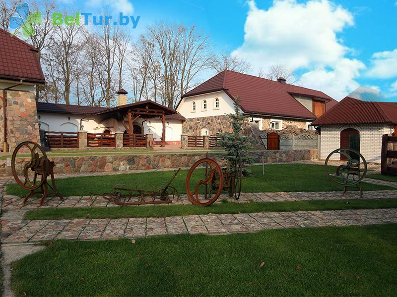 Rest in Belarus - farmstead Korolinsky folvarok Tyzengauza - Territory