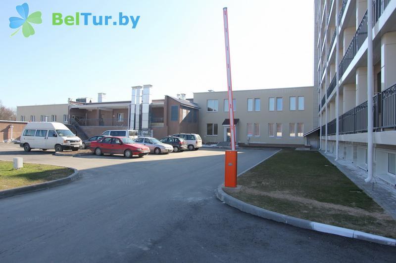 Отдых в Белоруссии Беларуси - гостиница Нарочь - Автостоянка