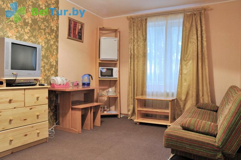 Отдых в Белоруссии Беларуси - база отдыха Глобус - двухместный двухкомнатный люкс (спальный корпус №1)