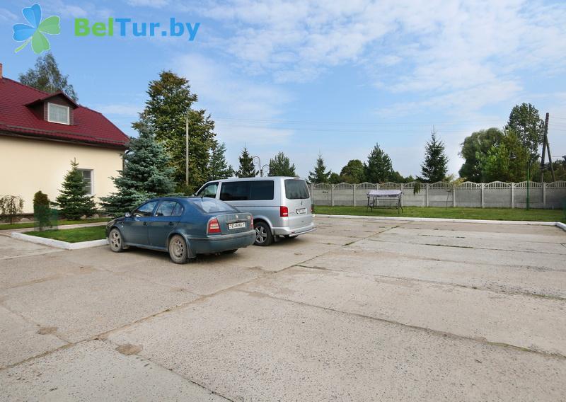 Отдых в Белоруссии Беларуси - база отдыха Королевичи - Парковка