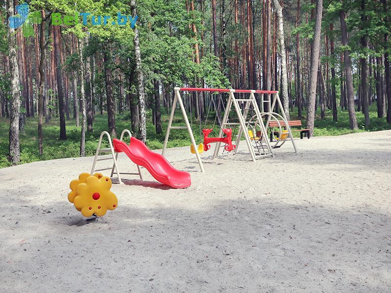 Отдых в Белоруссии Беларуси - гостиничный комплекс Шале Гринвуд / Chalet Greenwood - Детская площадка