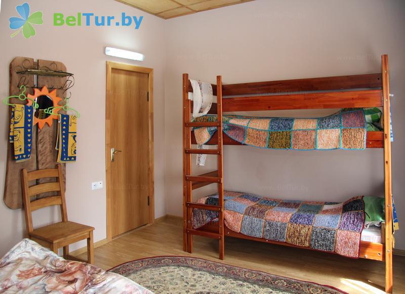 Отдых в Белоруссии Беларуси - усадьба Беловежская гостевая - четырехместный однокомнатный (дом)