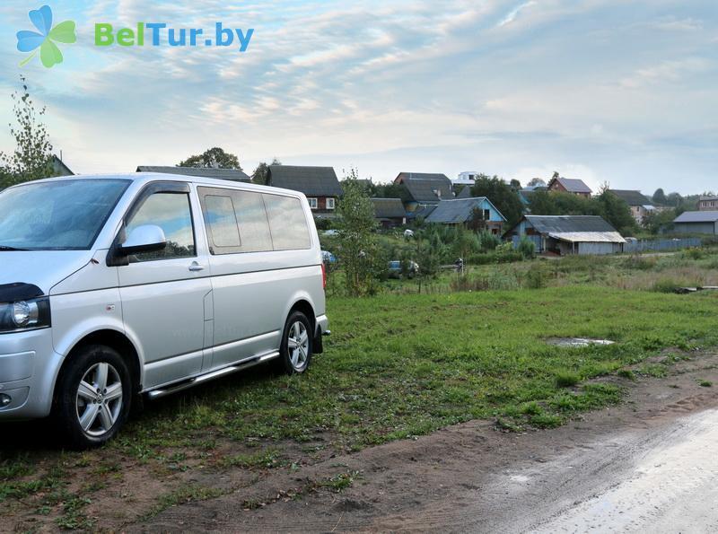 Rest in Belarus - farmstead U Serafimycha - Parking lot