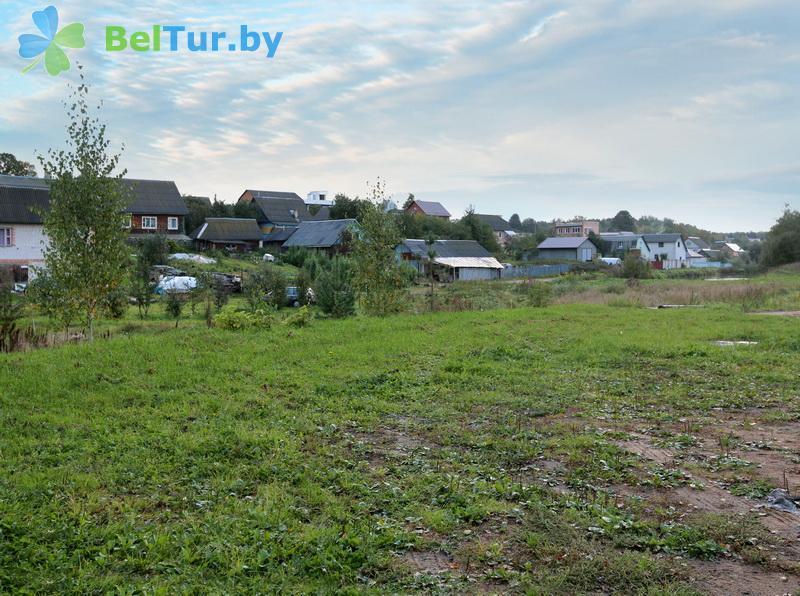 Отдых в Белоруссии Беларуси - усадьба У Серафимыча - Парковка