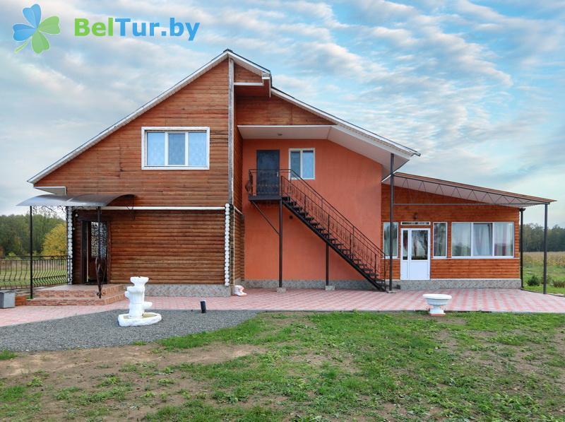 Отдых в Белоруссии Беларуси - усадьба Слуцкий страус - большой гостевой дом