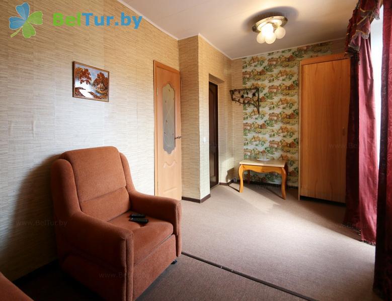 Отдых в Белоруссии Беларуси - усадьба Слуцкий страус - двухместный двухкомнатный (большой гостевой дом)