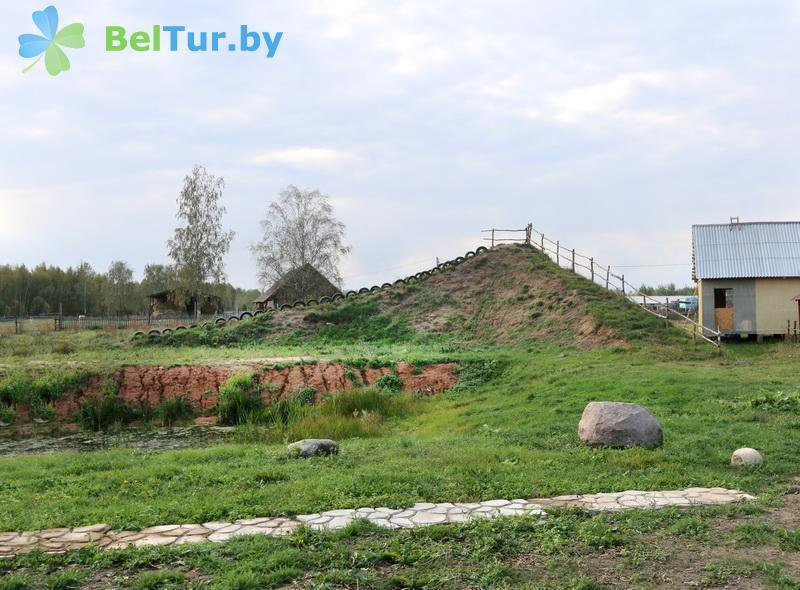 Отдых в Белоруссии Беларуси - усадьба Слуцкий страус - Спортплощадка
