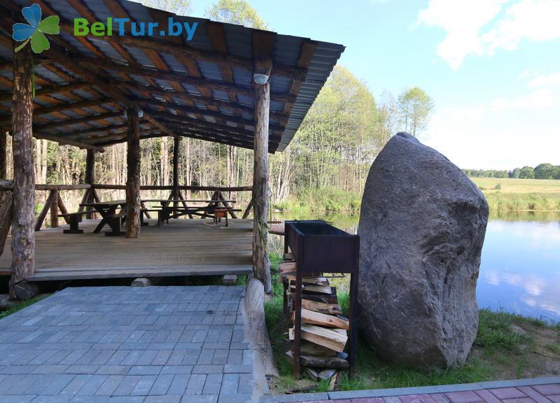 Отдых в Белоруссии Беларуси - гостиничный комплекс Панский маентак Сула - Площадка для шашлыков