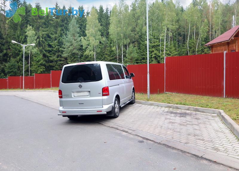 Отдых в Белоруссии Беларуси - туристический комплекс Сосновая - Парковка