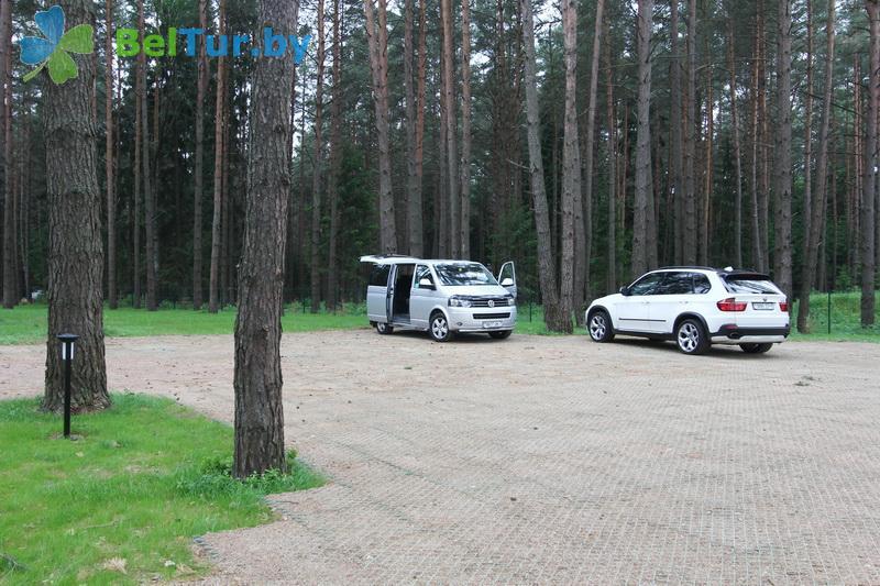 Отдых в Белоруссии Беларуси - туристический комплекс Шишки - Парковка
