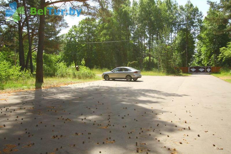 Отдых в Белоруссии Беларуси - гостевой дом Нарочь на Зеленой - Парковка
