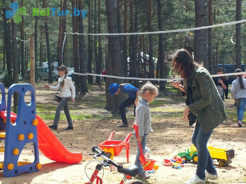 Отдых в Белоруссии Беларуси - кемпинг Клевое место - Детская площадка