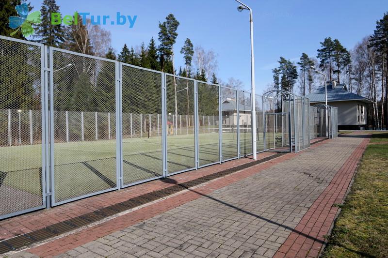 Отдых в Белоруссии Беларуси - гостиничный комплекс Крупенино - Теннисный корт