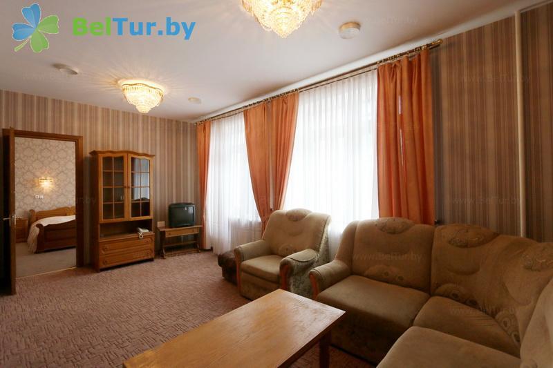 Отдых в Белоруссии Беларуси - гостиничный комплекс Крупенино - двухместный двухкомнатный люкс (корпус №1)