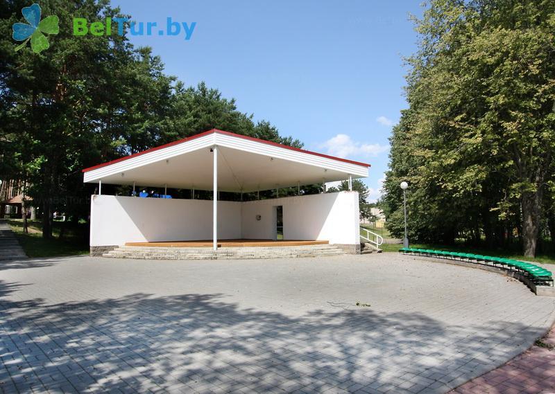 Отдых в Белоруссии Беларуси - база отдыха Дривяты - Танцплощадка летняя