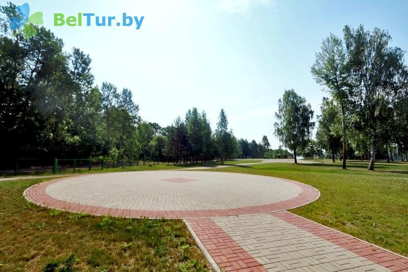 Отдых в Белоруссии Беларуси - туристический комплекс Лосвидо - Танцплощадка летняя