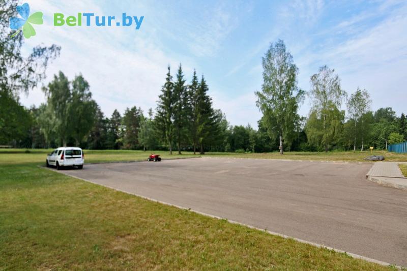 Отдых в Белоруссии Беларуси - туристический комплекс Лосвидо - Парковка