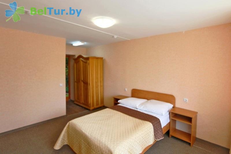 Отдых в Белоруссии Беларуси - туристический комплекс Лосвидо - двухместный двухкомнатный семейный люкс (главный корпус)