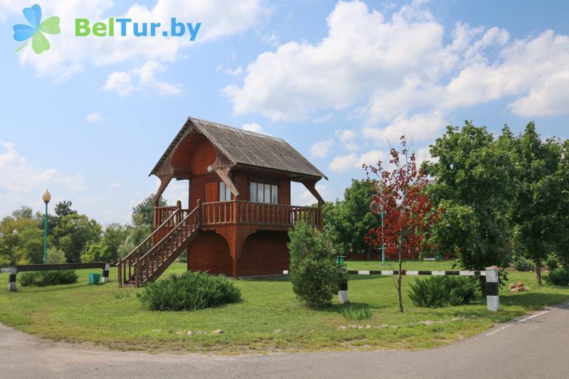 Отдых в Белоруссии Беларуси - туристический комплекс Дорошевичи - домик сторожа