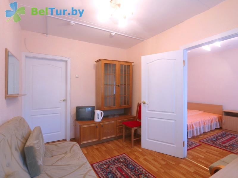 Отдых в Белоруссии Беларуси - база отдыха Нарочанка - двухместный двухкомнатный (главный корпус)
