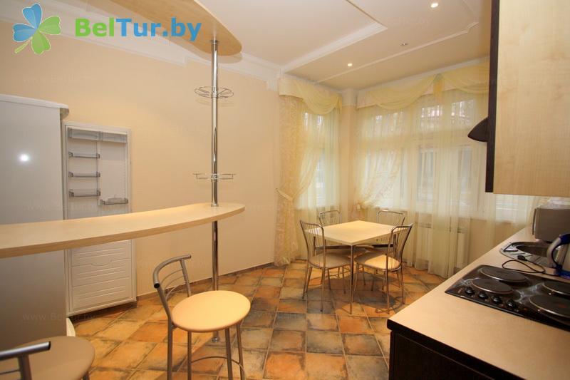 Отдых в Белоруссии Беларуси - гостиничный комплекс Огонёк - двухместные двухкомнатные апартаменты (корпус №8.1 - 8.4)