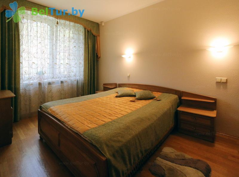 Отдых в Белоруссии Беларуси - гостиничный комплекс Огонёк - двухместный двухкомнатный люкс (корпус №10)