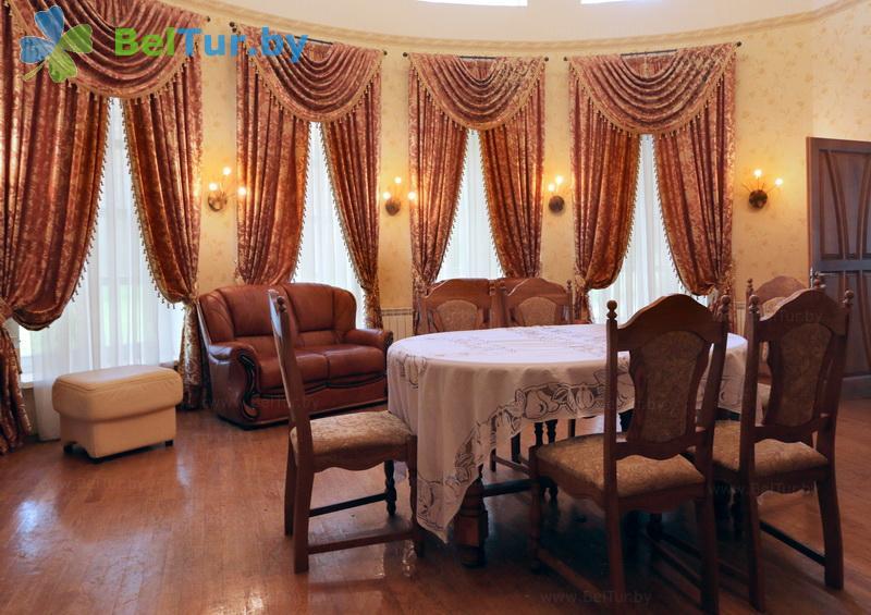 Отдых в Белоруссии Беларуси - гостиничный комплекс Огонёк - двухместные трехкомнатные апартаменты повышенной комфортности (корпус №9)