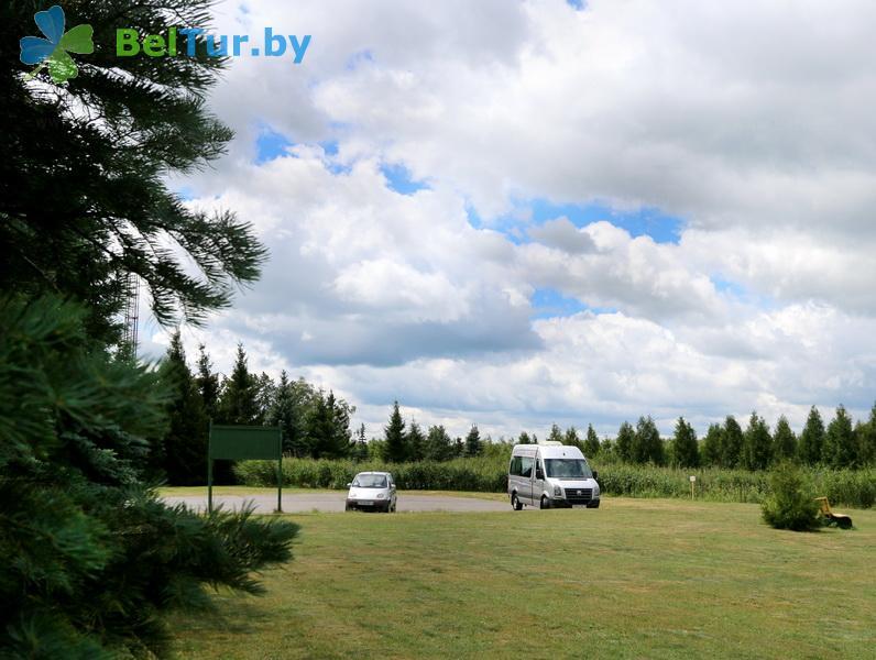 Отдых в Белоруссии Беларуси - дом охотника Выгоновский - Автостоянка