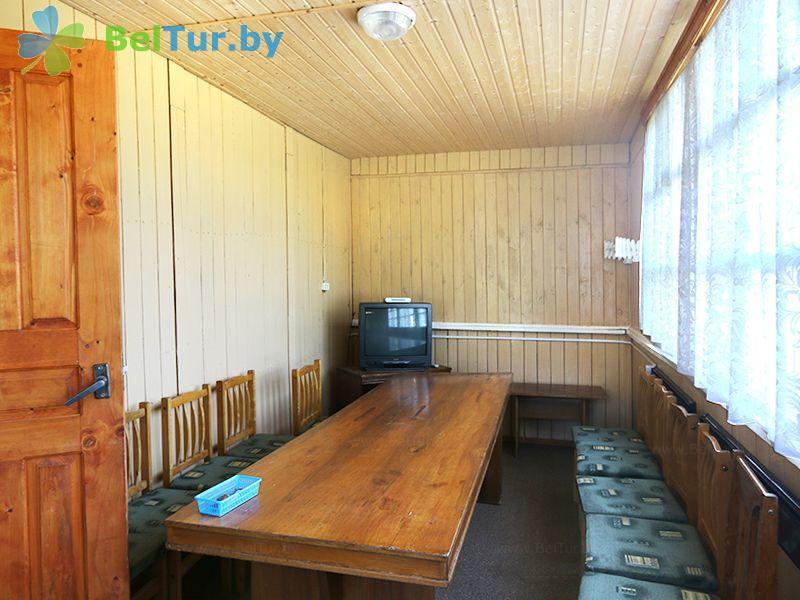 Отдых в Белоруссии Беларуси - база отдыха Актам - двухместный однокомнатный стандарт / с двуспальной кроватью (домики №1-5)