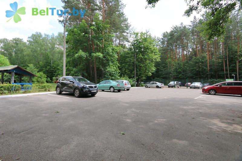 Отдых в Белоруссии Беларуси - база отдыха Белое озеро БЖД - Автостоянка