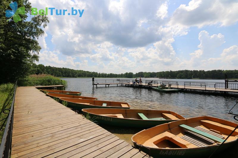 Отдых в Белоруссии Беларуси - база отдыха Белое озеро БЖД - Прокат лодок