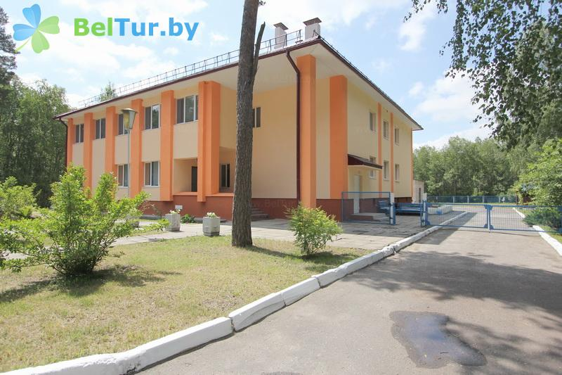 Отдых в Белоруссии Беларуси - база отдыха Березовая роща - административно-спальный корпус