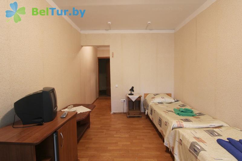 Отдых в Белоруссии Беларуси - база отдыха Лесное озеро - двухместный однокомнатный twin standard (спальный корпус №1)